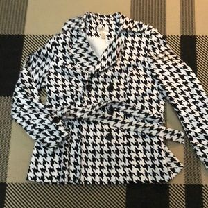 Black and White Houndstooth Blazer with Belt